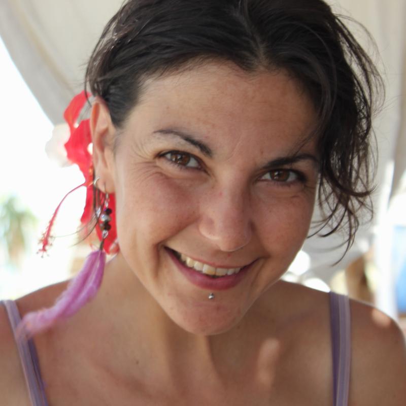 Silvia Caula, dott.ssa in Psicologia Clinica abilitata come Counsellor Olistico, Istruttrice Yoga
